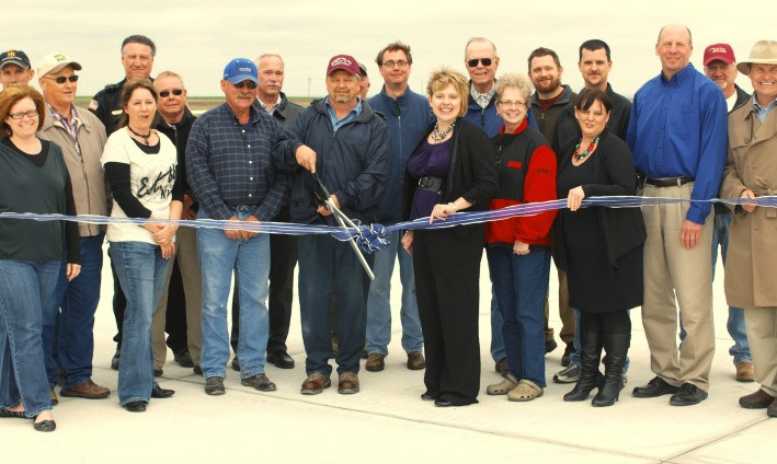 Ribbon Cutting 04.05